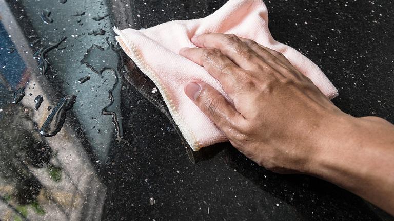 como quitar las manchas del marmol