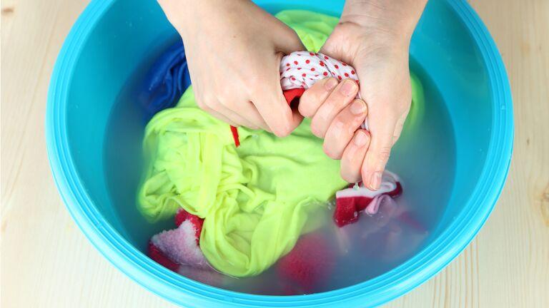 Cómo Lavar Ropa A Mano Guía Fácil Y Práctica 4 Pasos