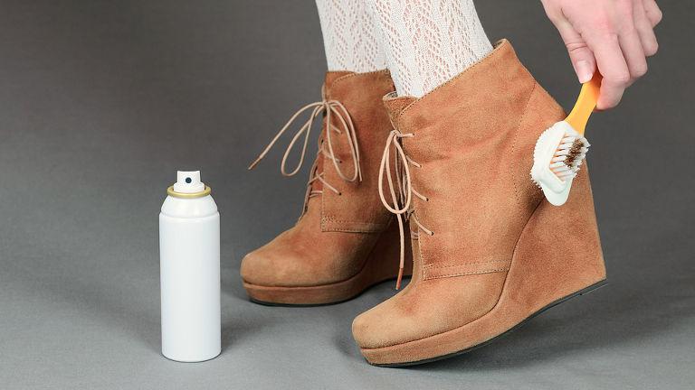 como limpiar zapatos de cuero blanco