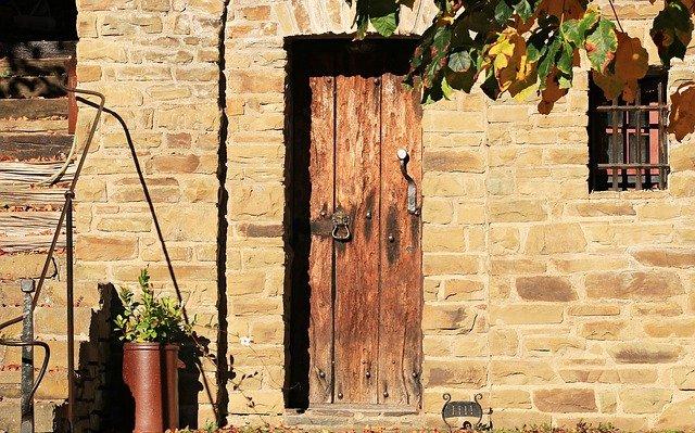 Limpiar puertas de madera productos