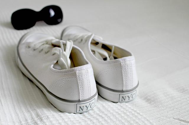 Limpiar zapatillas blancas cómo limpiar