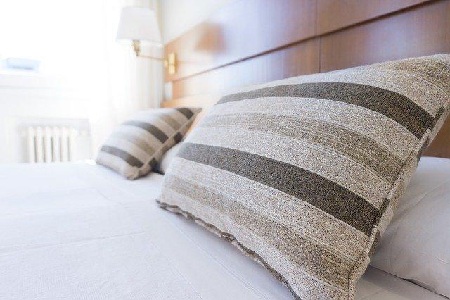 Consideraciones para lavar una almohada