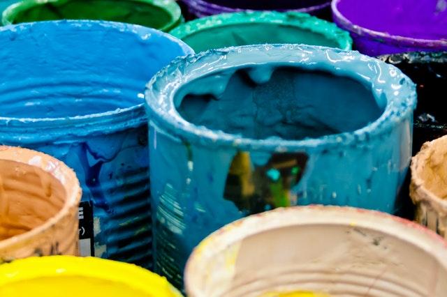 manchas de pintura a base de aceite