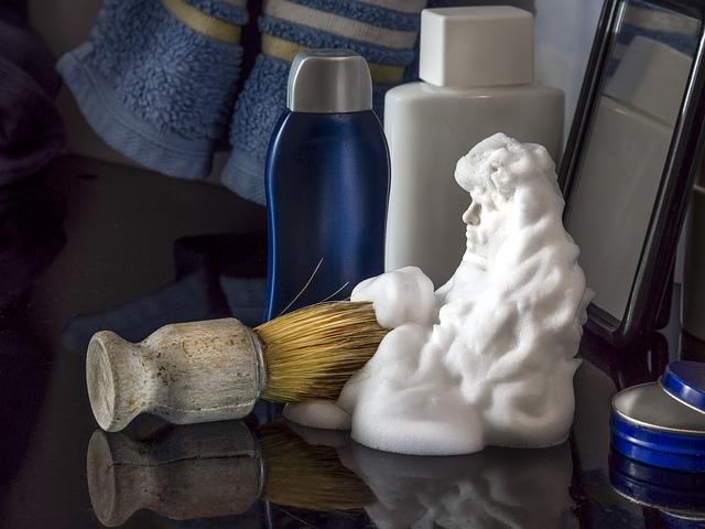 Quitar una mancha de maquillaje con espuma de afeitar