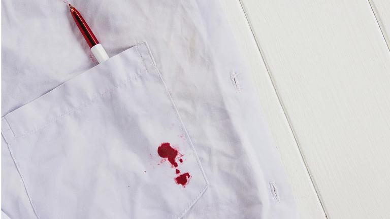 Trucos caseros para quitar las manchas de bolígrafo