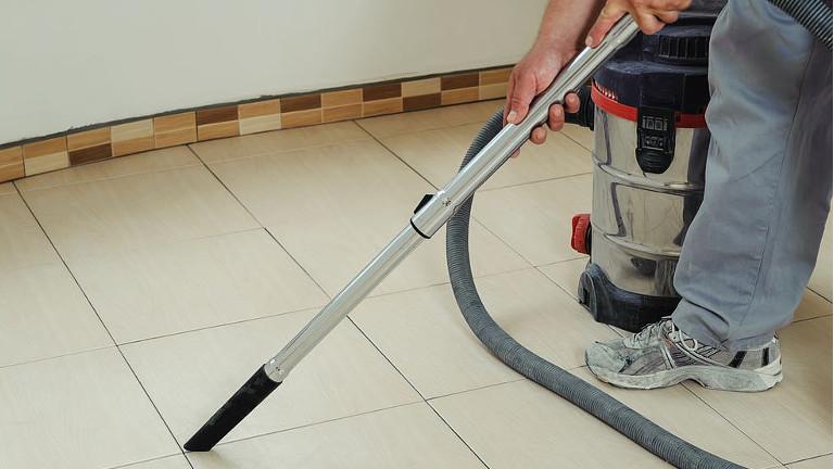 como limpiar pisos de ceramica rustica